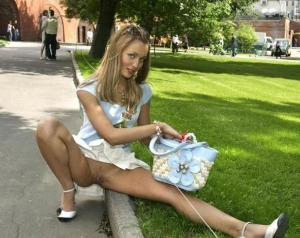 Nude Public Pics - Flashing Naked In Public