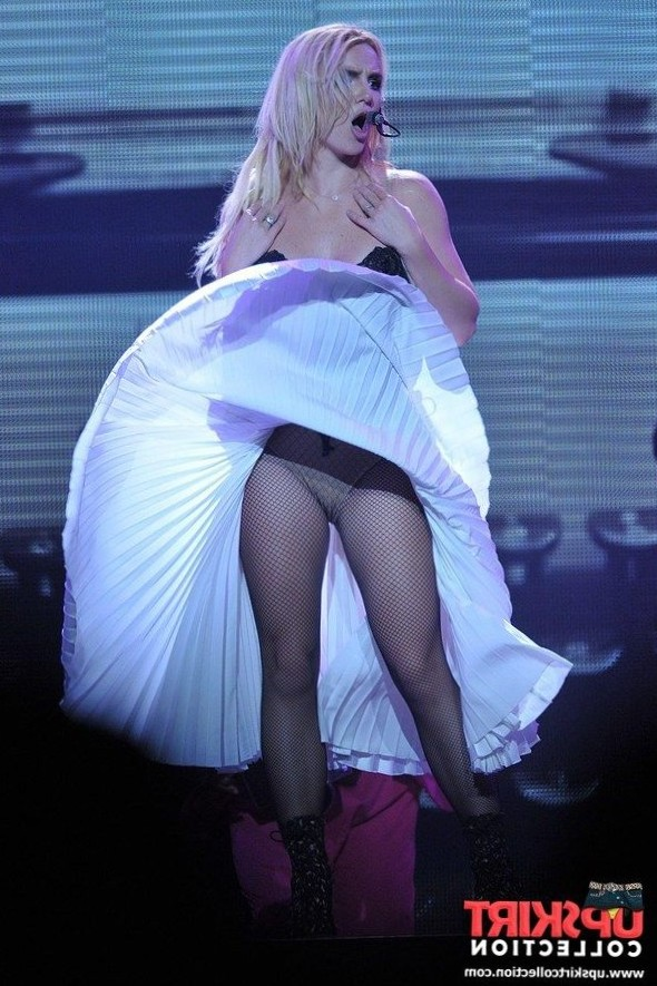 Spears stage upskirt