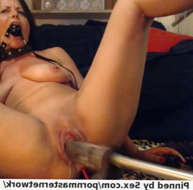 Live collared and gagged squirting milf