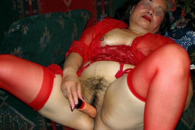 Dildo Play in Red Bustier2