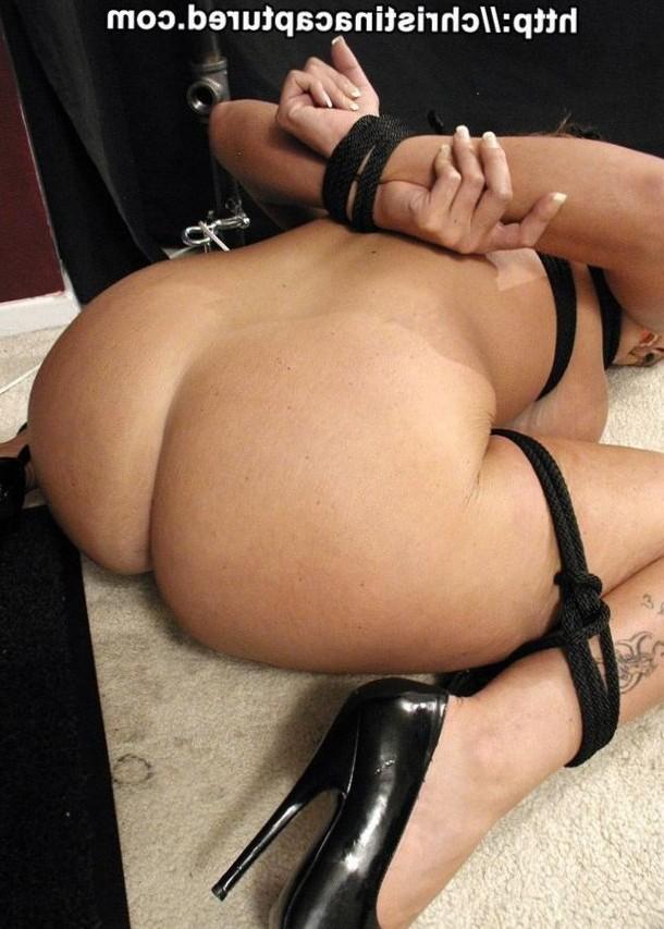 curvy slave tied up