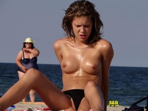 Cunts on Beach - Milfs Beach