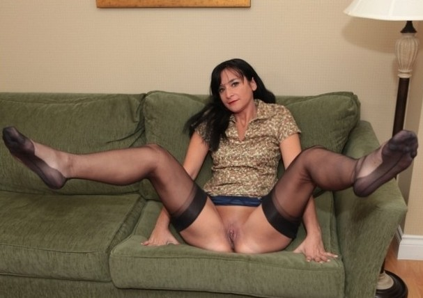 Aunty Kathy in stockings
