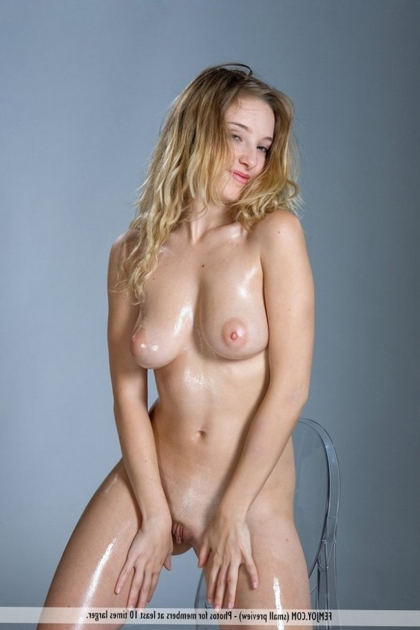 Teen blonde is all oily