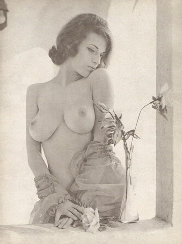 Mondo Topless – Joan Zinn